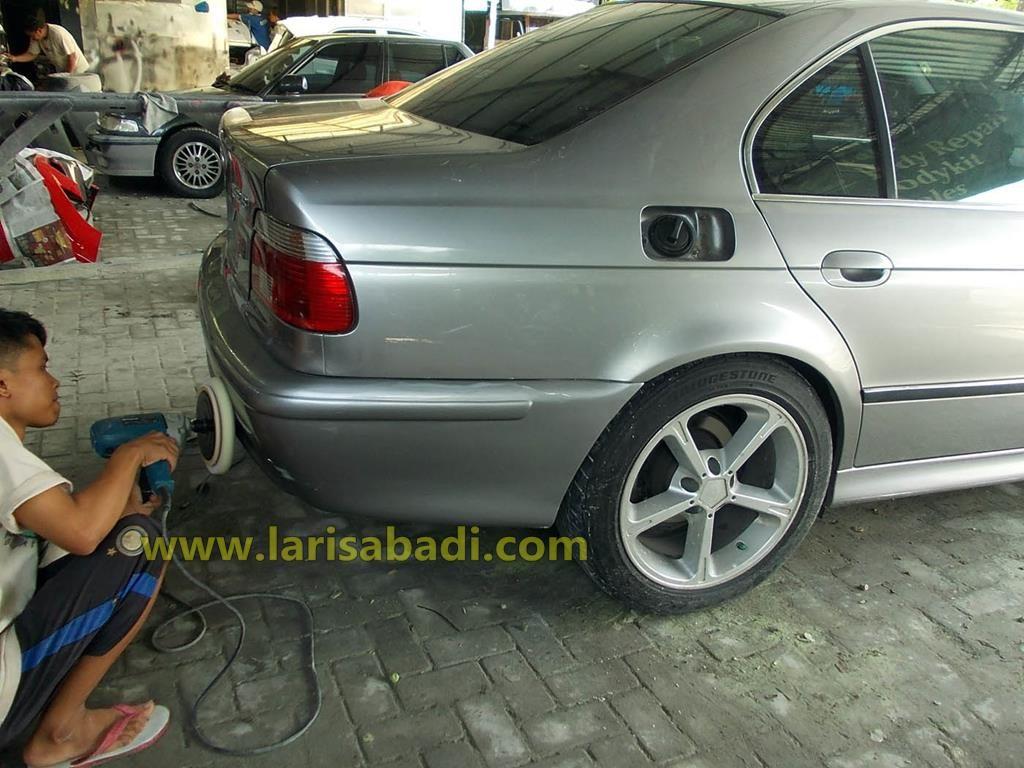 BMW 528 Grey 3
